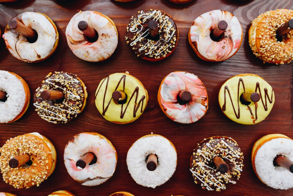 Many-different-types-of-doughnut